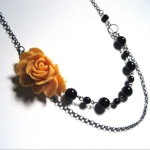 Jewelry - Rosy n' Romantic, Yellow and Black - Necklace